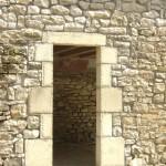 esat-lozere-encadrement-porte-taille-de-pierres